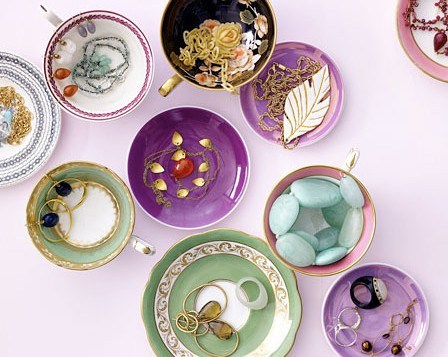tea_cup_jewelry_storage-e1346371419777